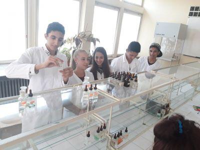 специалност: Технологичен и микробиологичен контрол в химични производства - Изображение 4